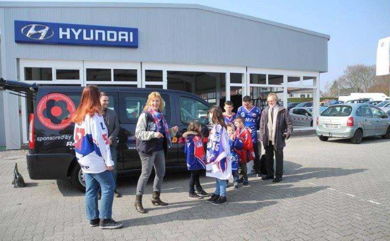 Autohaus Renck-Weindel - Rosis Kids Corner vor der Filiale Speyer